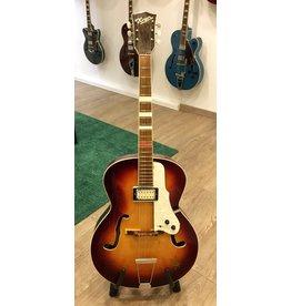 Arnold Hoyer Archtop Jazz gitaar Duitsland jaren '60 met pickup