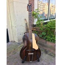 Lewa '50's/'60's archtop gitaar
