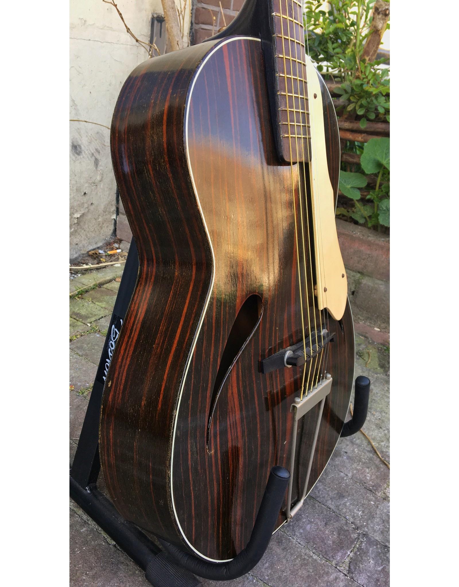 Lewa '50's/'60's jazz gitaar