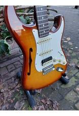 Fender Fender Rarities Stratocaster Thinline HSS, Solid Rosewood Neck, Violin Burst B-stock