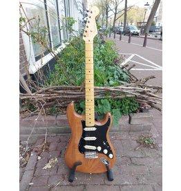 Fender Fender American Professional II Stratocaster MN Roasted Pine  B-Stock