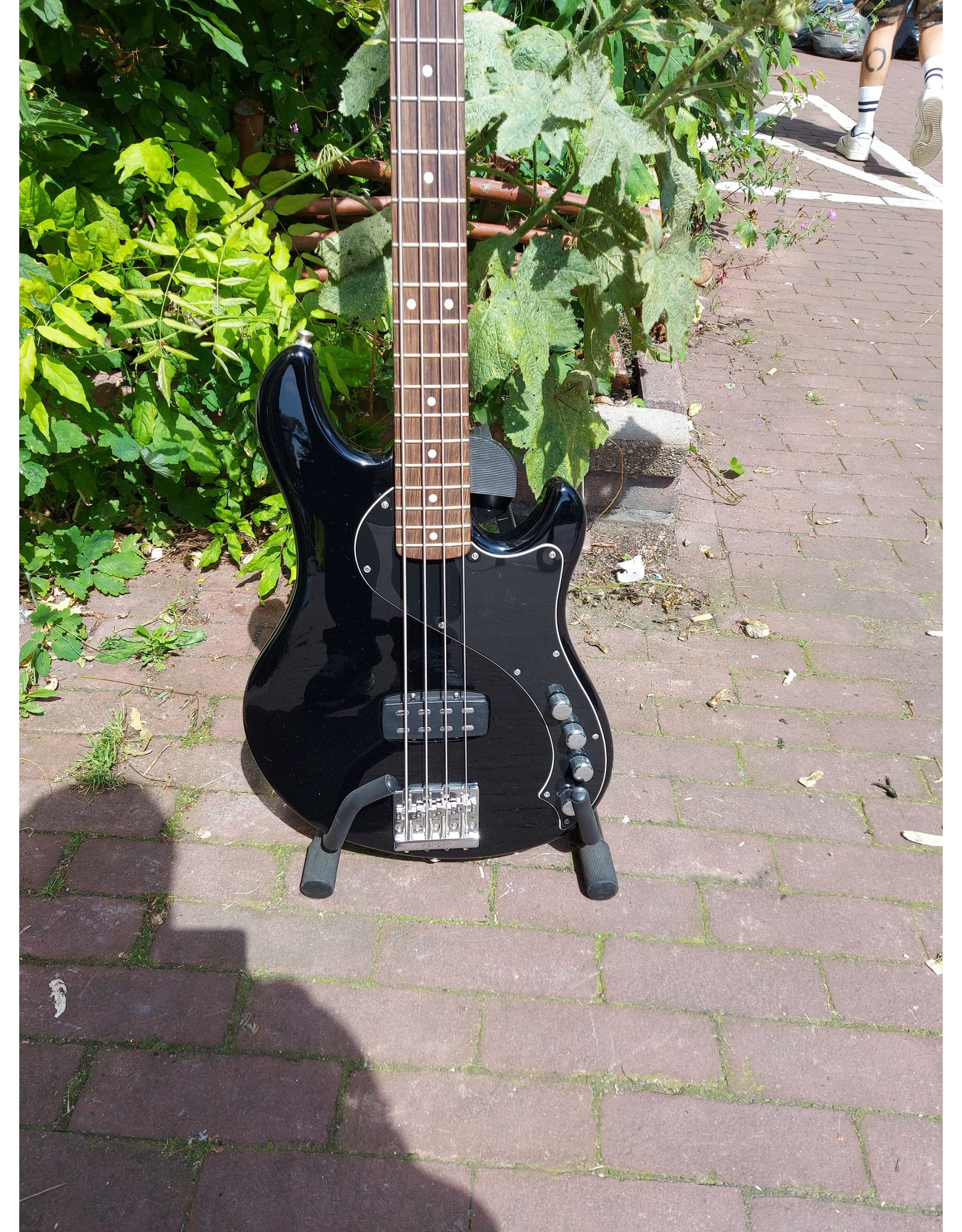 Fender Fender Deluxe Dimension Bass IV Black Occasion