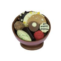 Bonbonniere met diverse soorten chocolade