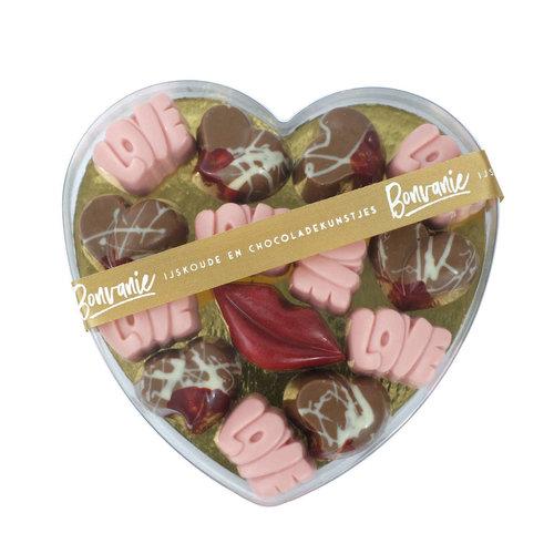 Bonvanie chocolade Ambachtelijke love bonbons in hartendoos