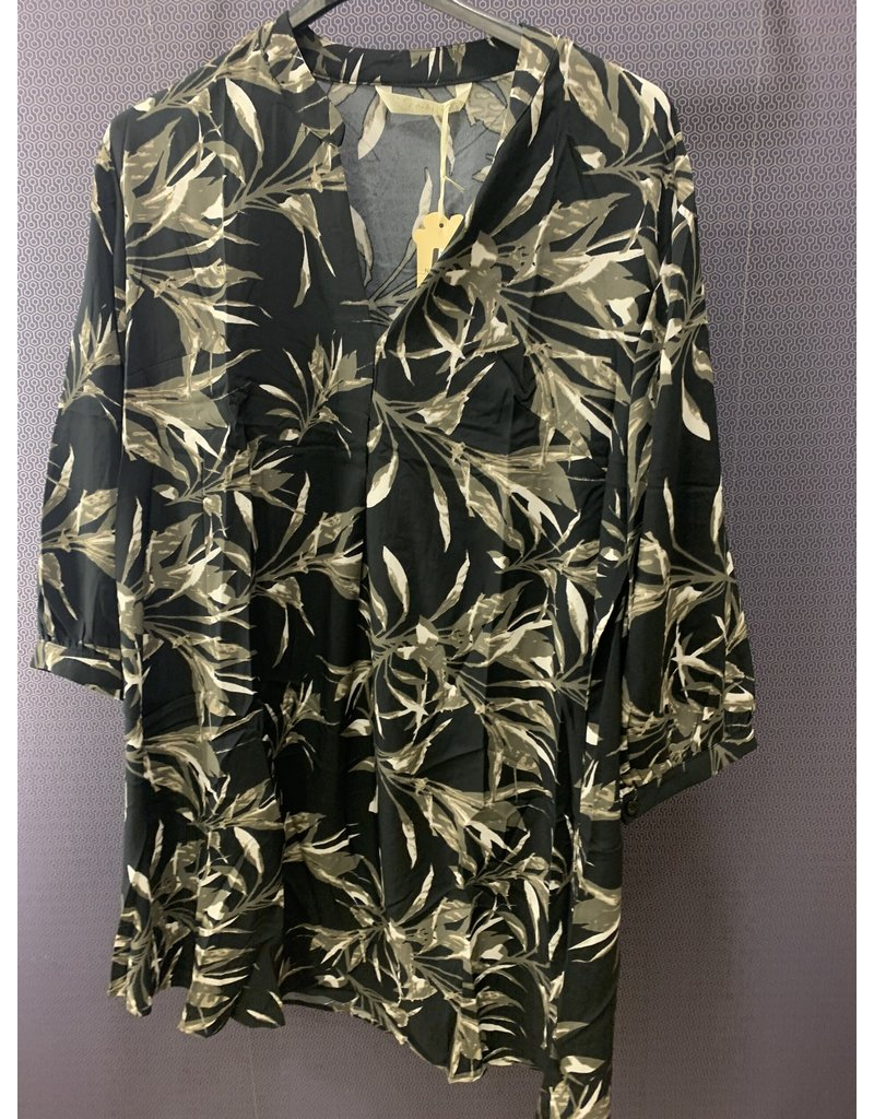 Robe noire feuilles taupe