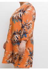Robe orange courte à feuille