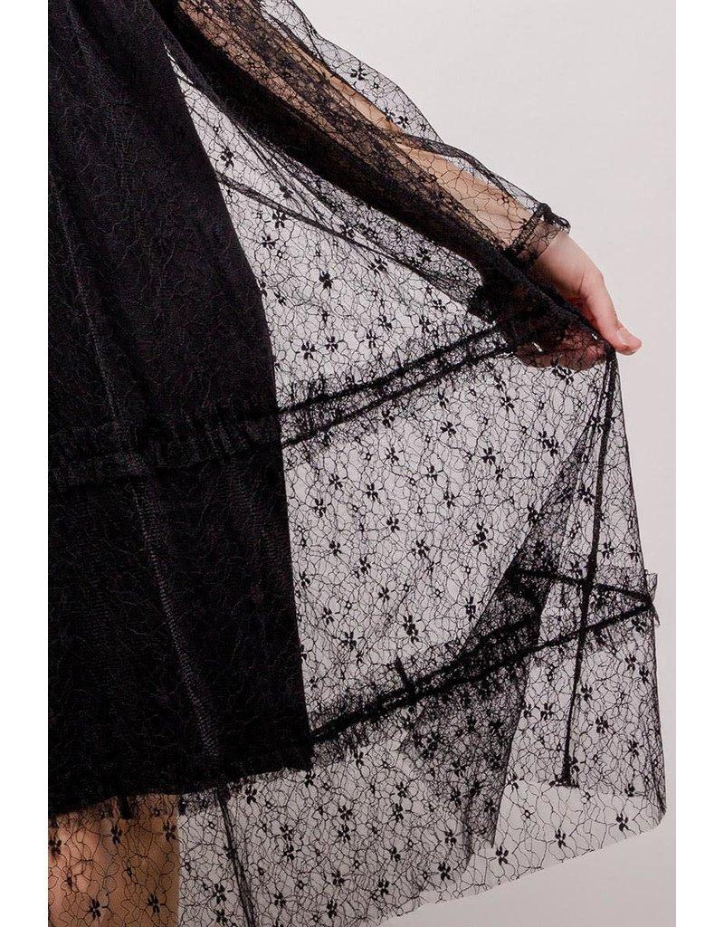 Robe noire voile