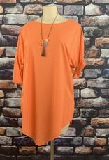 EMB Tunique orange avec sautoir