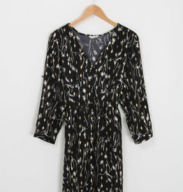 EMB Robe noire motif de printemps
