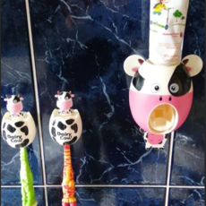Smiley Eileey Cow Tooth Brush Holder