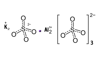 Sulfato de potasio y aluminio