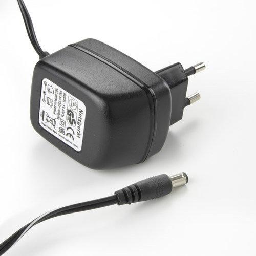 Externer Netzadapter 100-240 VAC / VDC (50/60 Hz)