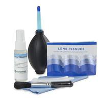 Schoonmaakset: schoonmaakmiddel, naadloos lenspapier, borstel, luchtblazer, wattenschijfjes