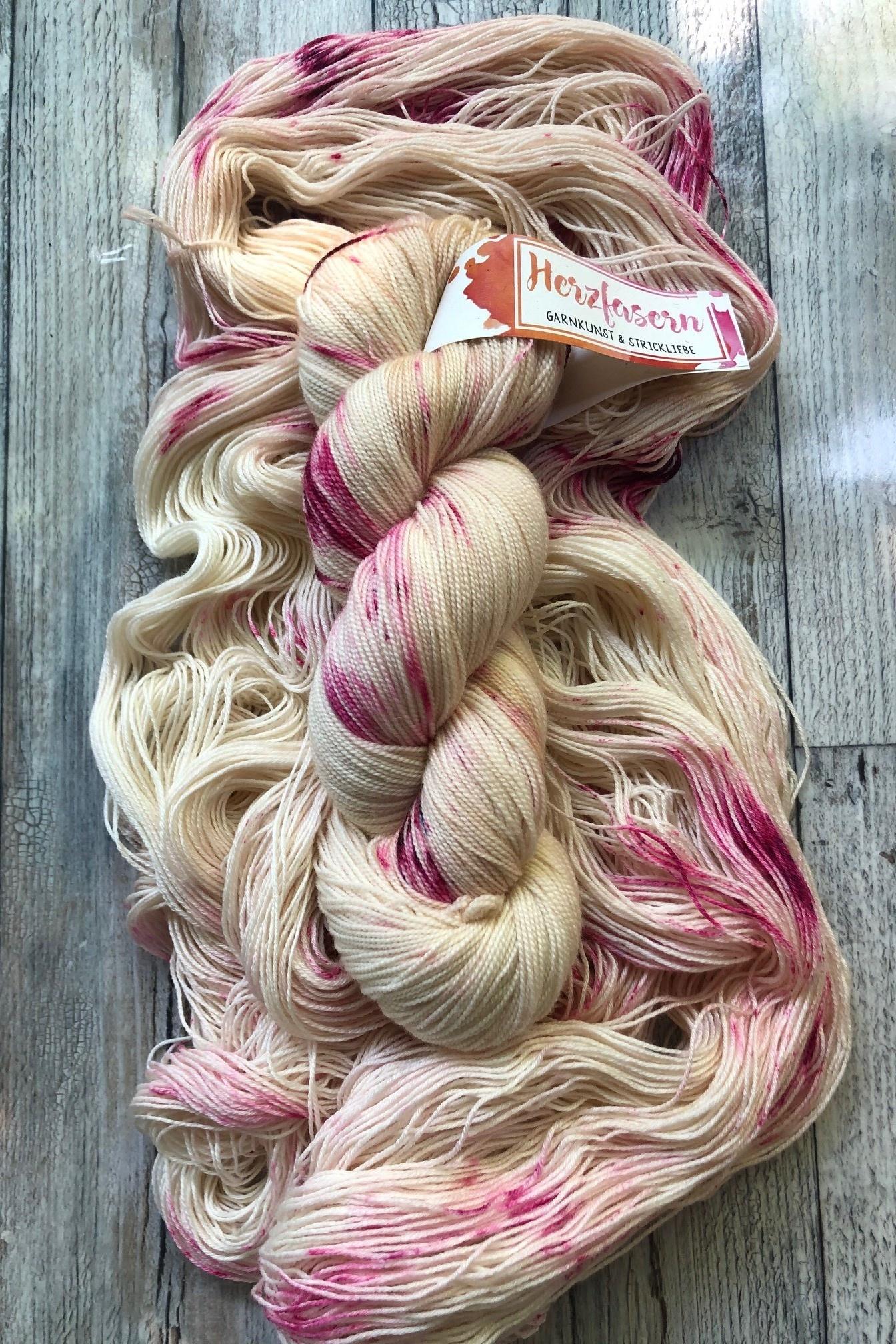 Lace Merino 600 - Vanilla Raspberry