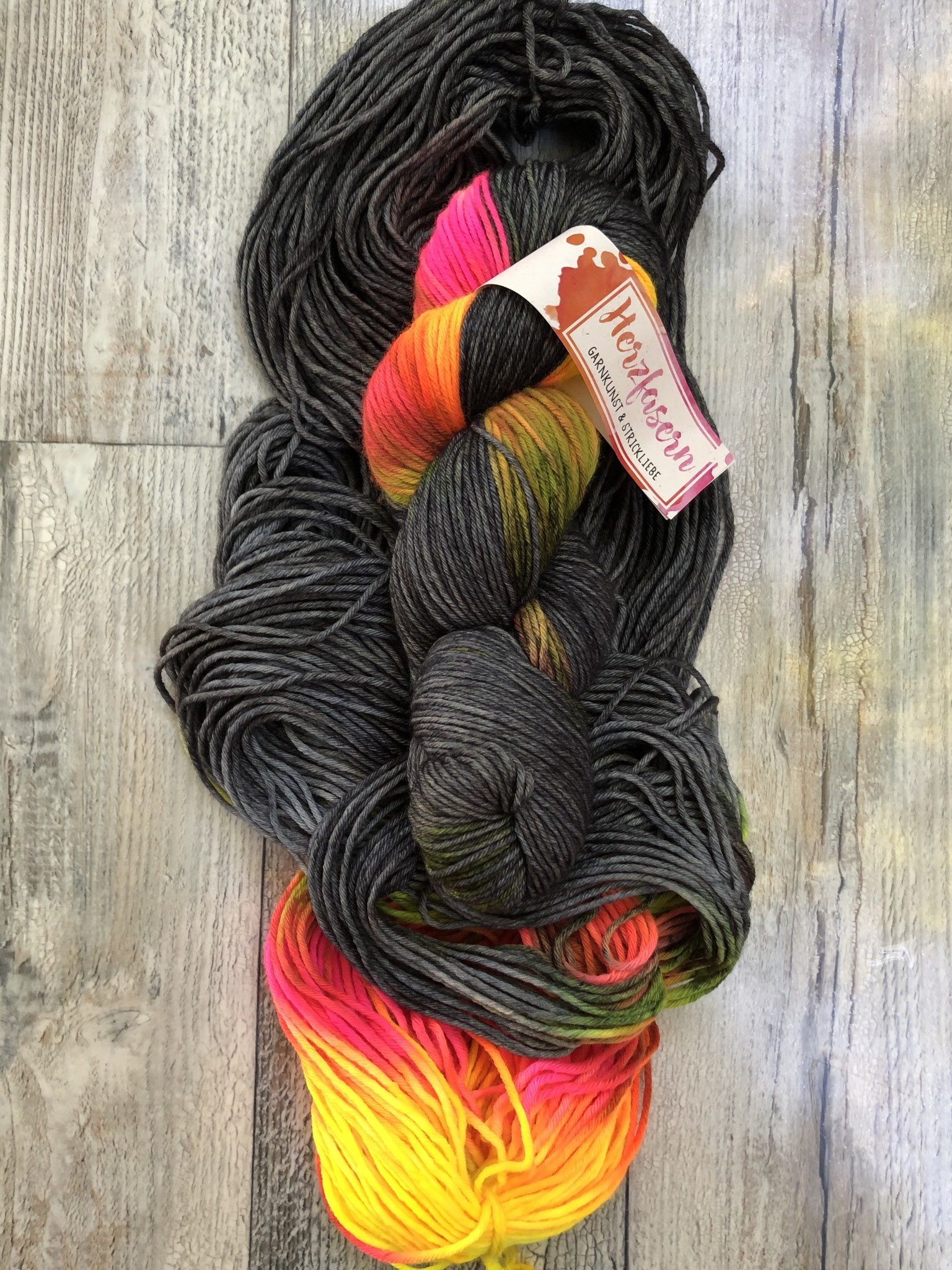 Herzfasern Merino 260 - Mr. Gray and Neon