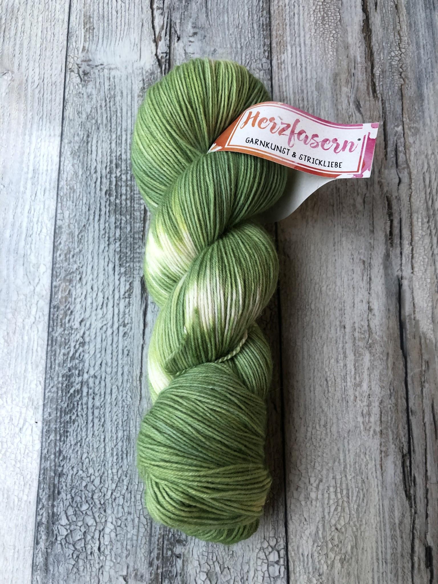 Herzfasern Sockenwolle -Schneeflöckchengrün