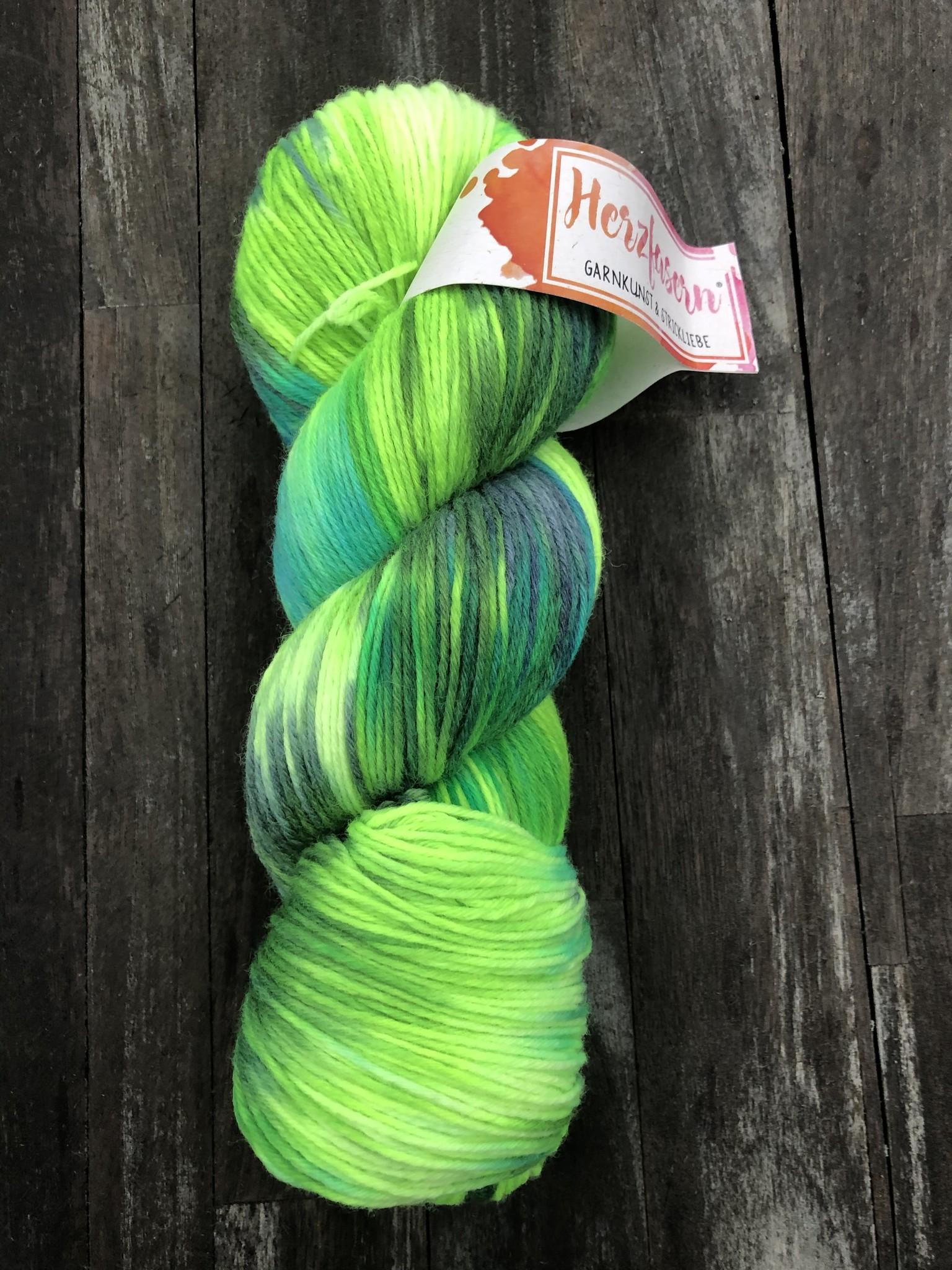 Herzfasern Sockenwolle 6-fach mit recyceltem Polyamid -Grüner Himmel