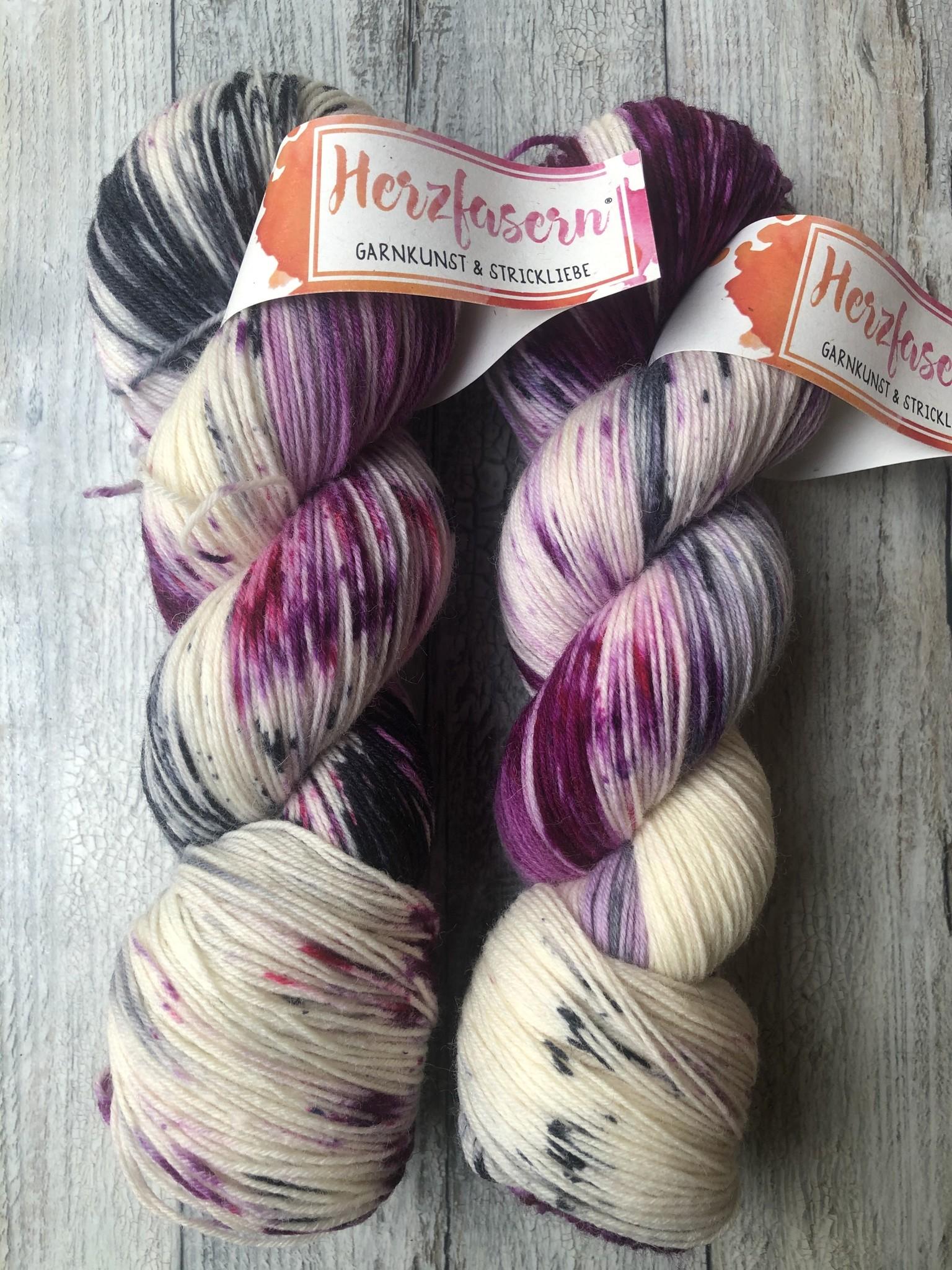 Herzfasern Sockenwolle -Beerenmix