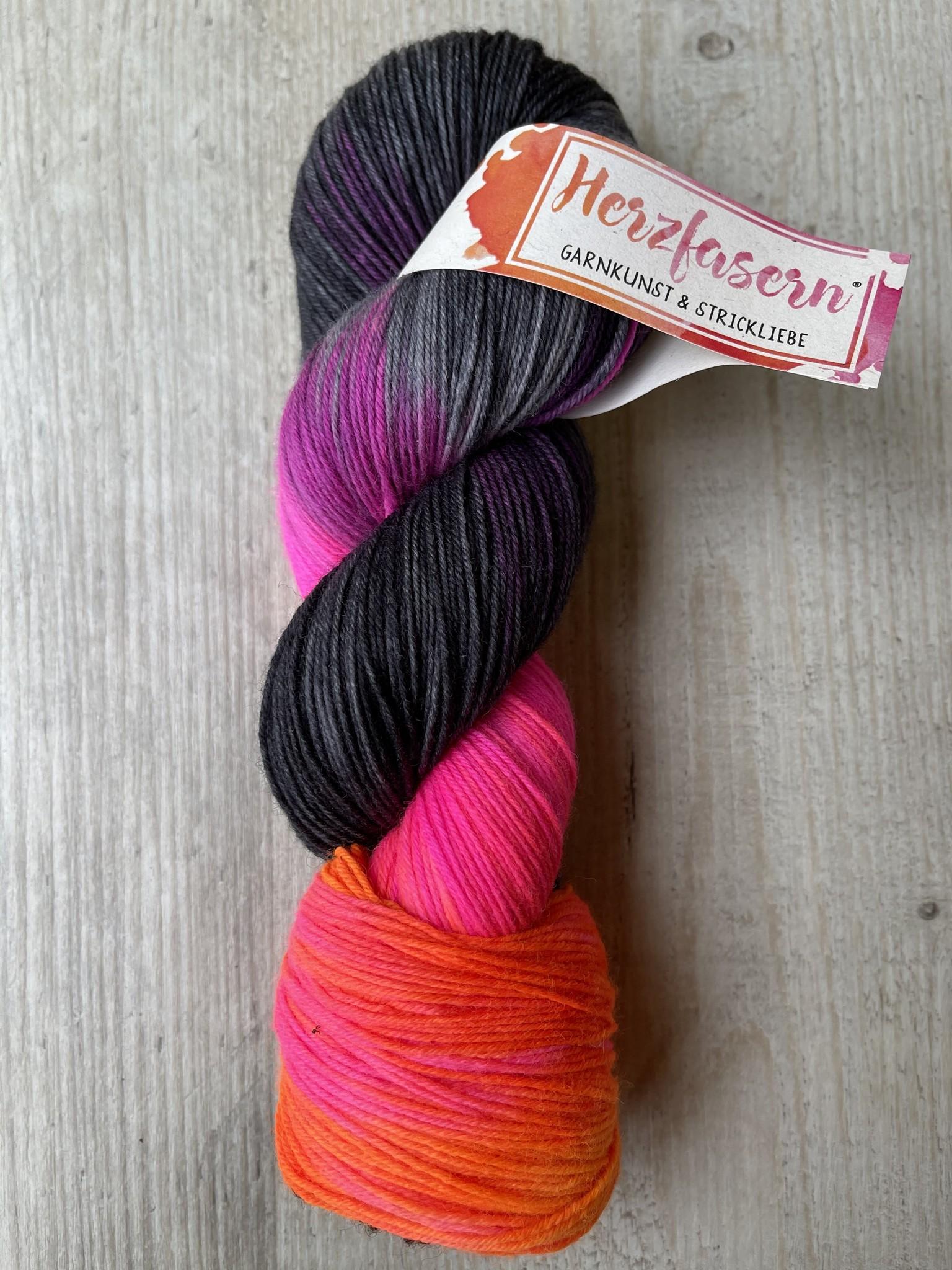 Herzfasern Sockenwolle Mrs. Gray and Neon