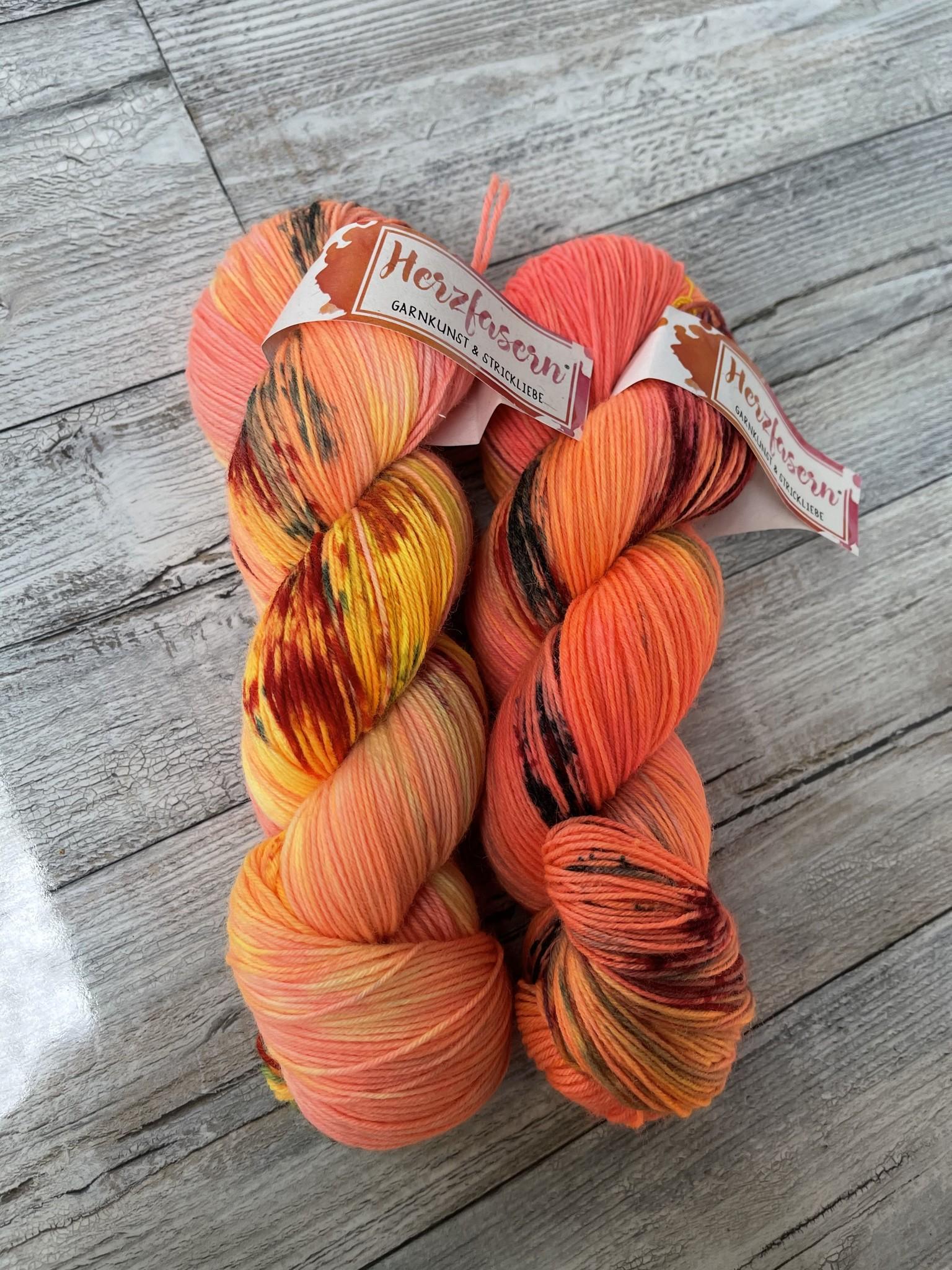 Herzfasern Herzfaser No 22 - Sockenwolle 4-fach  mit recyceltem Polyamid-muselingfrei  Orangen Medley