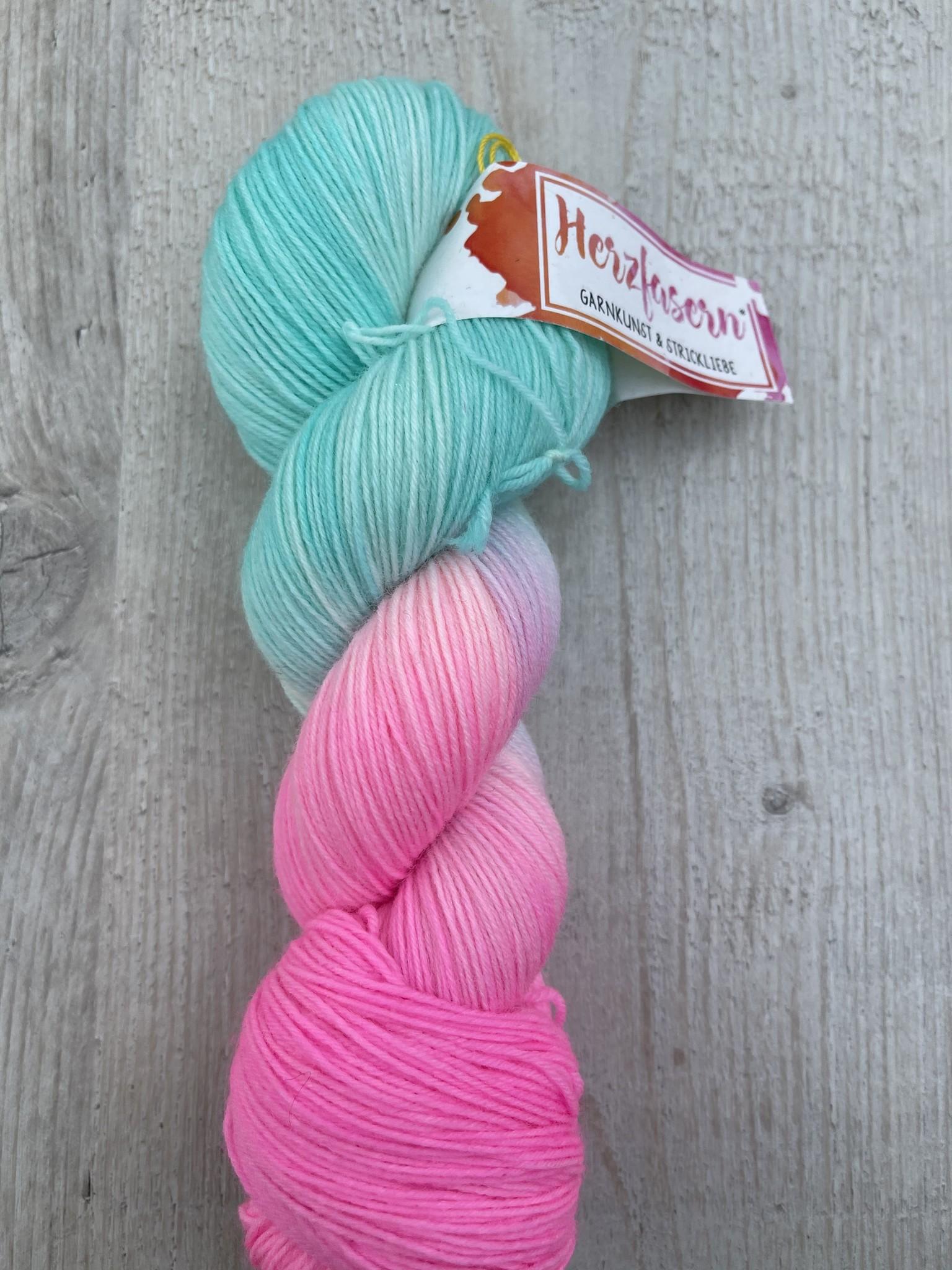 Sockenwolle -Baby Einhorn
