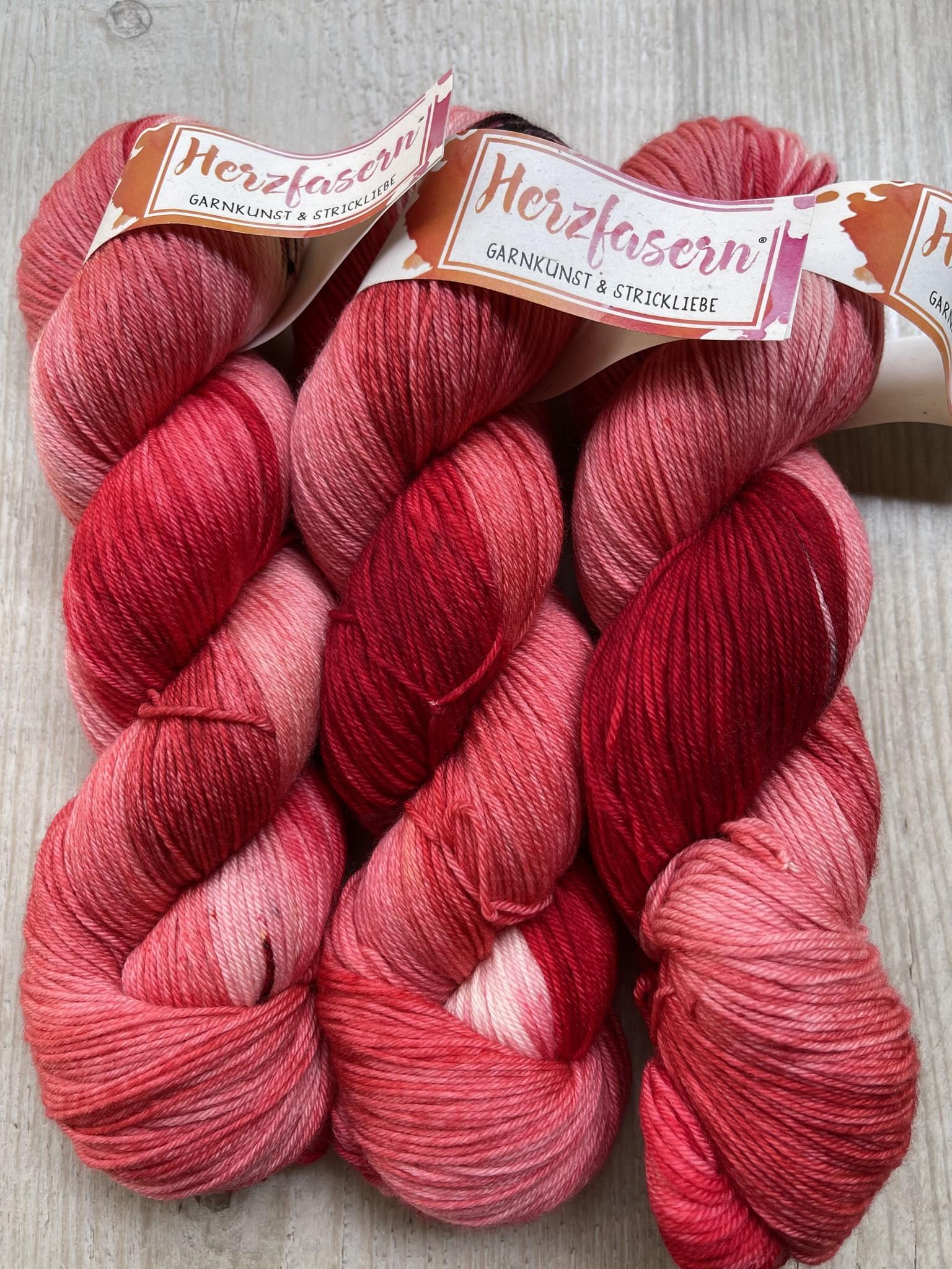 Herzfasern  Merino 400   Flowers in Red