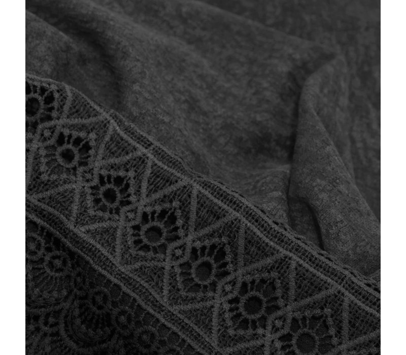 SCARF LACE CHARCOAL