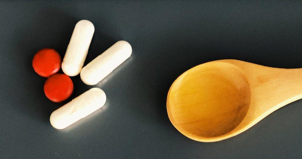 Het verschil tussen vloeibare vitamines en vitamines in pilvorm