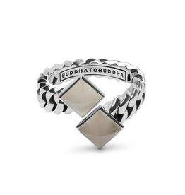 Buddha to Buddha 925 Sterling Zilveren Ring 742WH Chain Pyramid Stone White 18