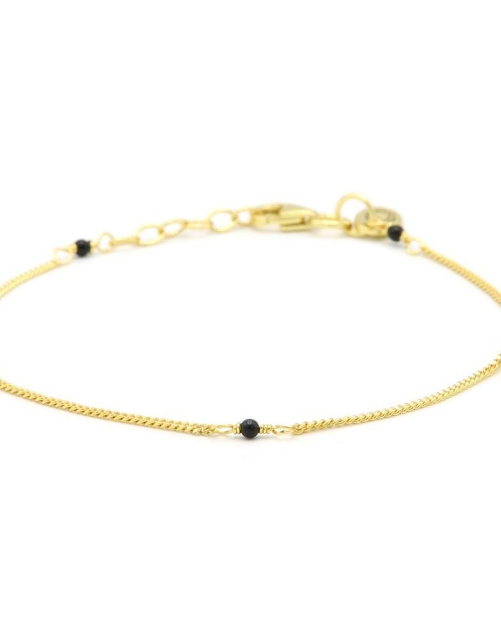 Karma Bracelet Tiny Onyx Goldplated