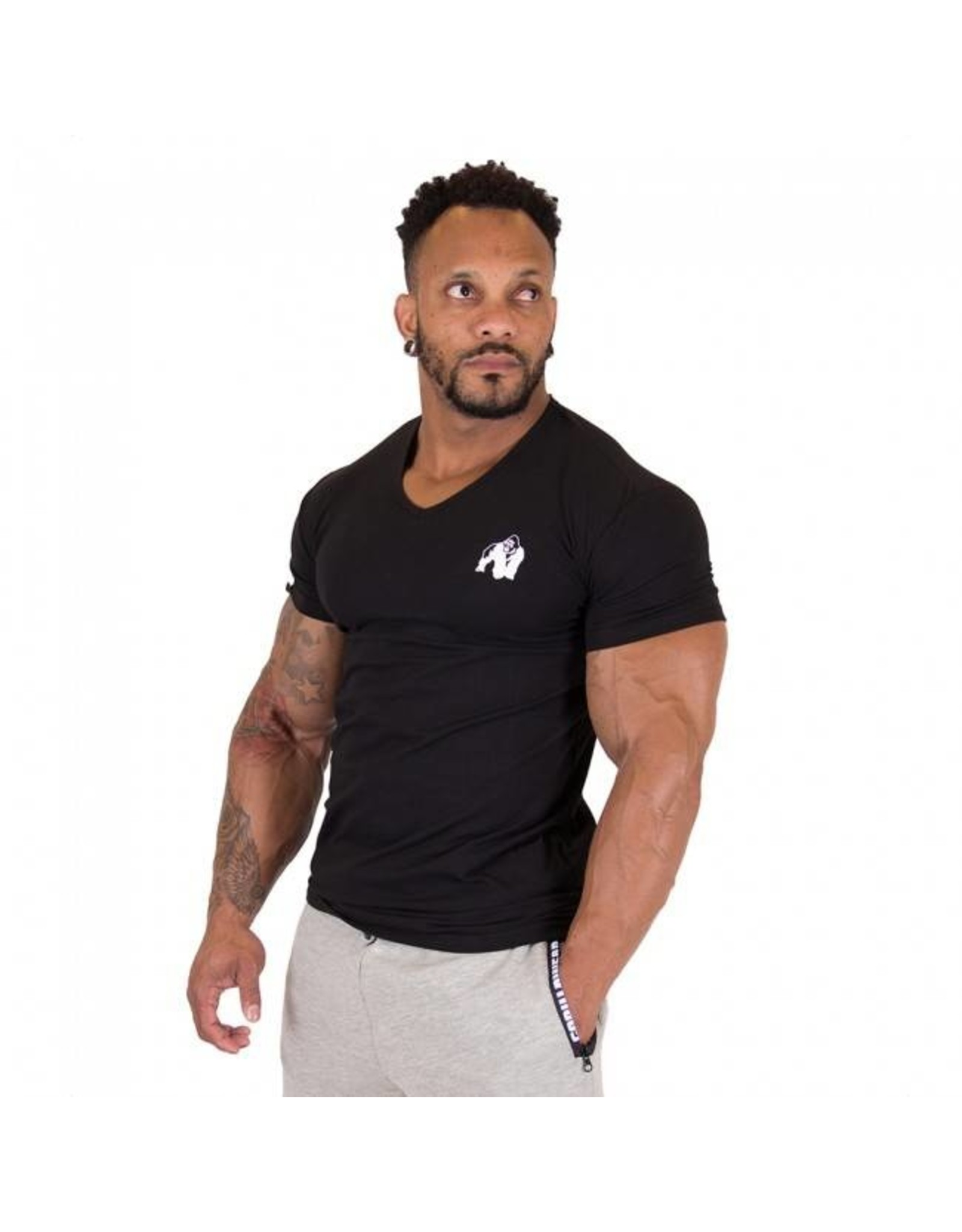 Gorilla Wear Essential V-neck T-shirt - Black