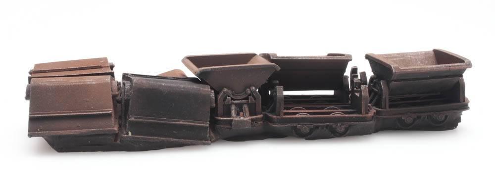 Cargo: Five narrow-gauge dumpers