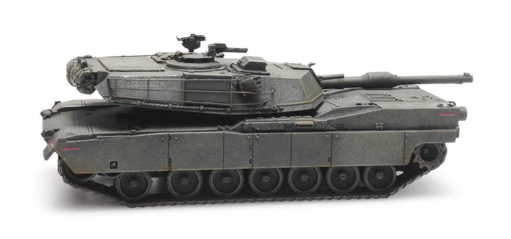 M1 Abrams green train load