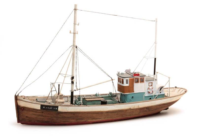 Norwegean fishingboat Framtid I waterline
