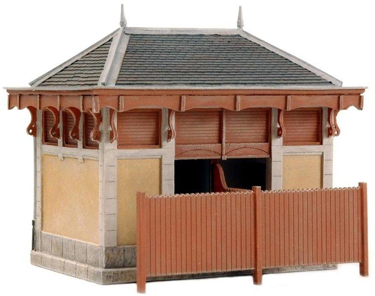 Frans wc- en materiaalgebouwtje