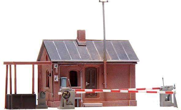 Guarded level crossing Münsterland, 1:160, resin kit, unpainted