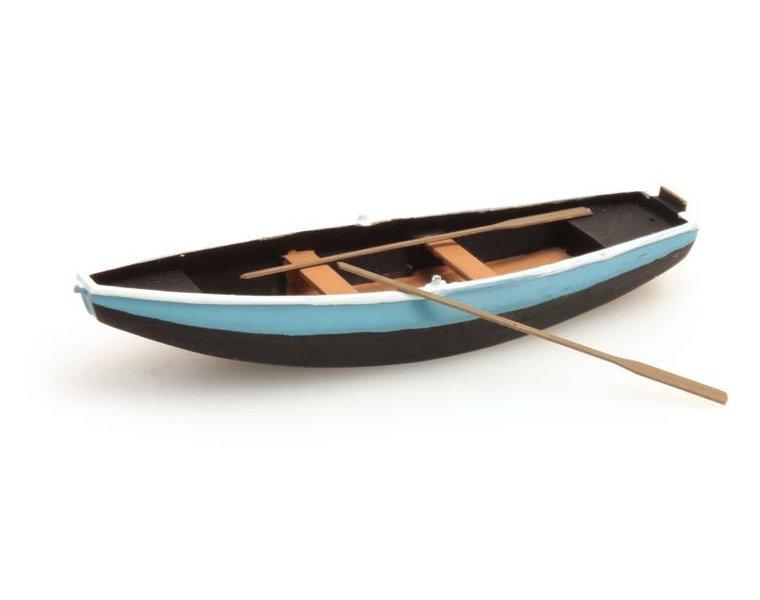 Ruderboot aus Stahl blau