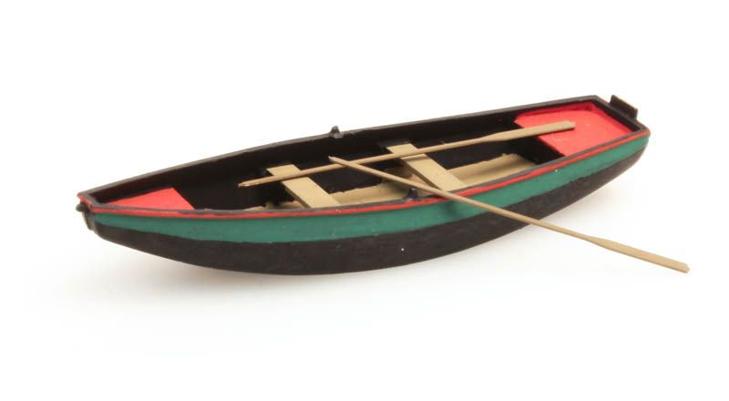 Stalen roeiboot groen