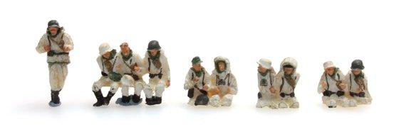 Besatzung Sd.Kfz.251/1B, 10 Figuren mit Winteruniform