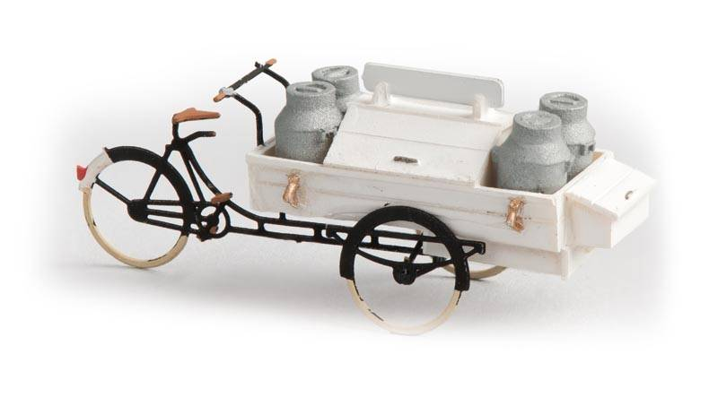 Carrier tricycle dairy, 1:87, resin ready made, painted