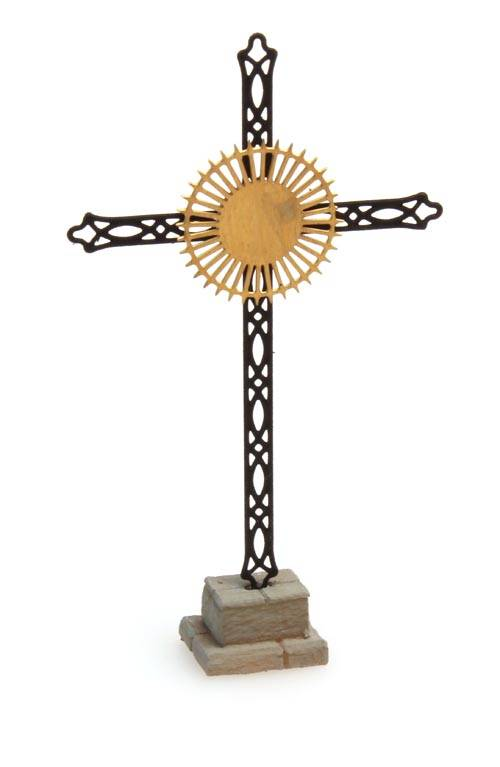 Roadside memorial cross, ready made etched
