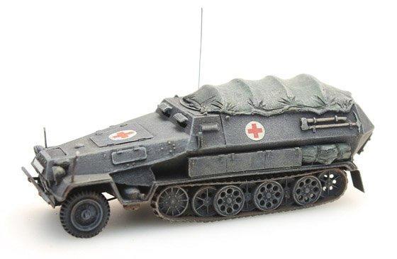 Sd.Kfz 251/8B Sanitätspanzer