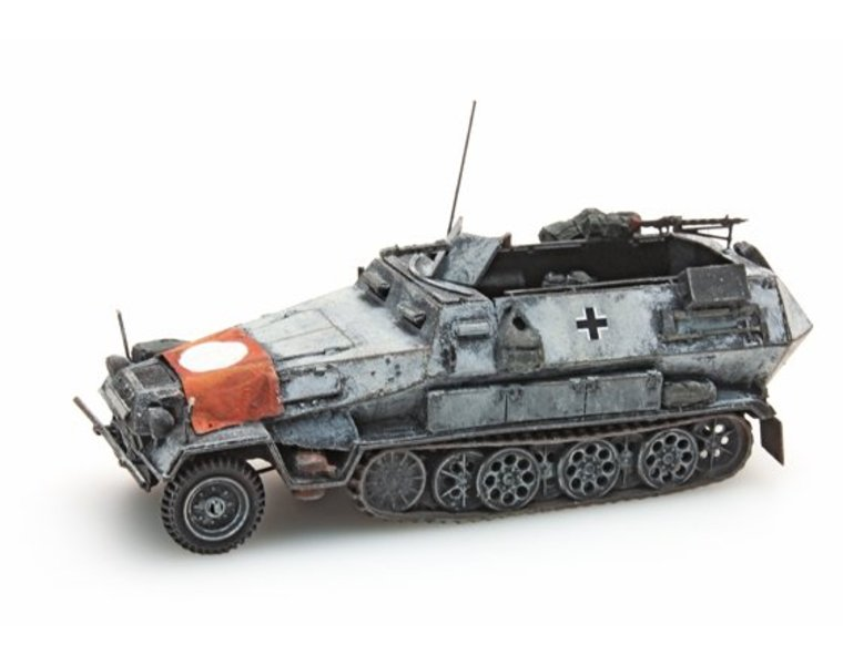 Sd.Kfz 251/1B met vlag, winter