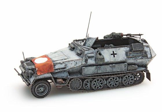 Sd.Kfz 251/1B met vlag, winter