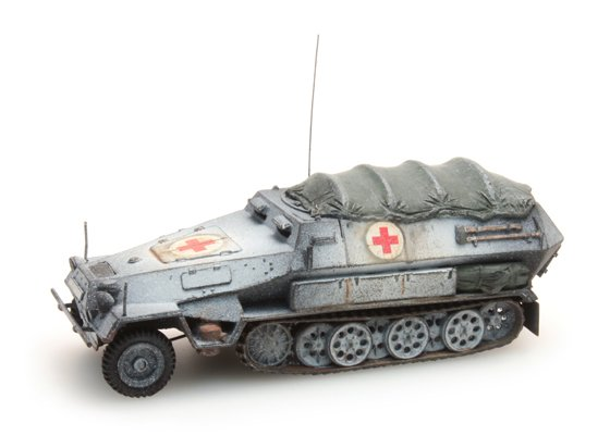 Sd.Kfz 251/8B Sanitätspanzer, Winter