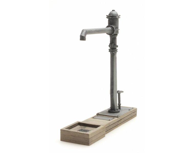 Schmaler Wasserhahn