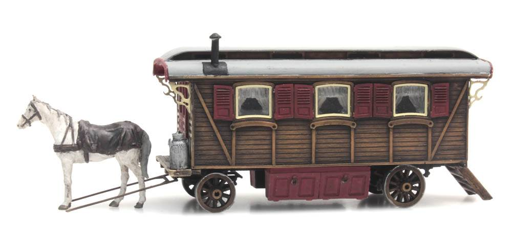 Living wagon (fairground or circus)