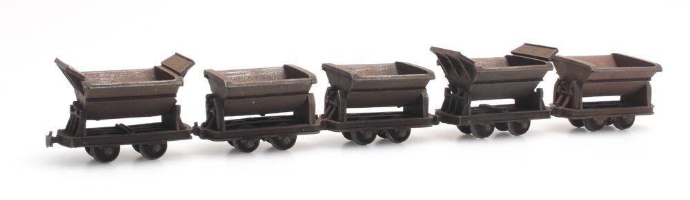 5 narrow-gauge tipper wagons