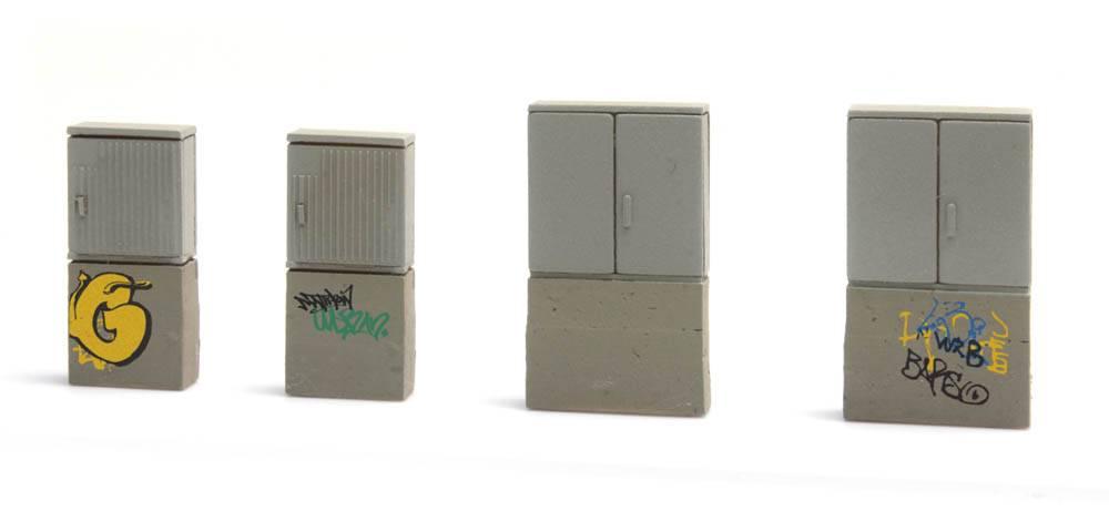 Deutsche Bahn Switchboxes with Graffiti