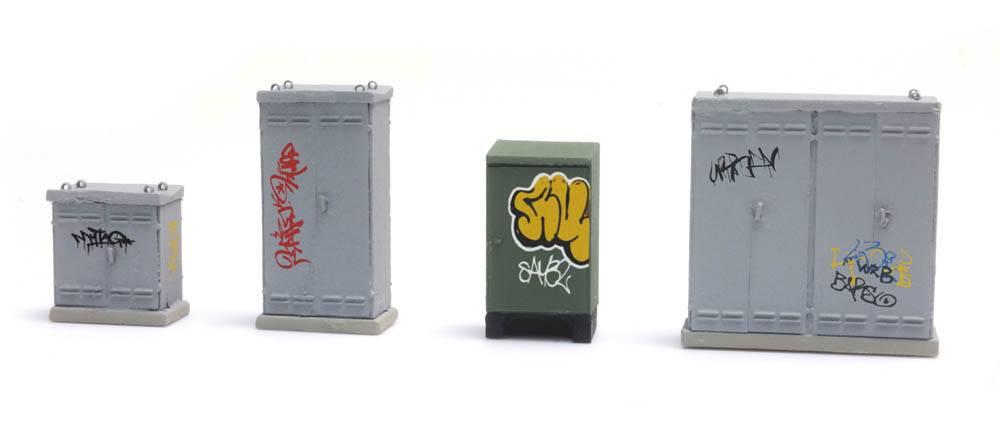 NL Schaltkästen mit Graffiti